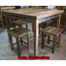 Conjunto Mesa + 4 Banquinhos com Tinta - 4985