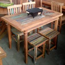 Conjunto Mesa 1,20 x 0,70 2 Bancos 2 Cadeiras com Tinta - 5070