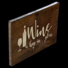 """Placa """"Wine a hug in glass"""" em Madeira - 5227"""