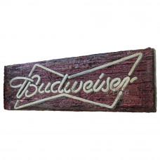 """Placa """"Budweiser"""" Vermelha Rústica em Madeira - 5249"""