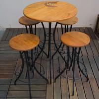 Conjunto Bistrô com 4 Banquetas de Ferro com Madeira - 4704