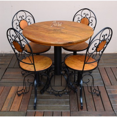 Conjunto Mesa com 4 Cadeiras de Ferro com Madeira - 4143